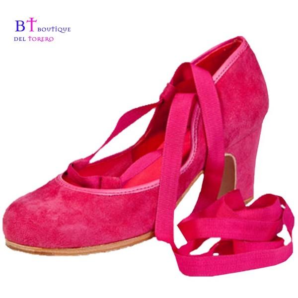 Zapato de flamenca profesional en ante con tiras para abrochar