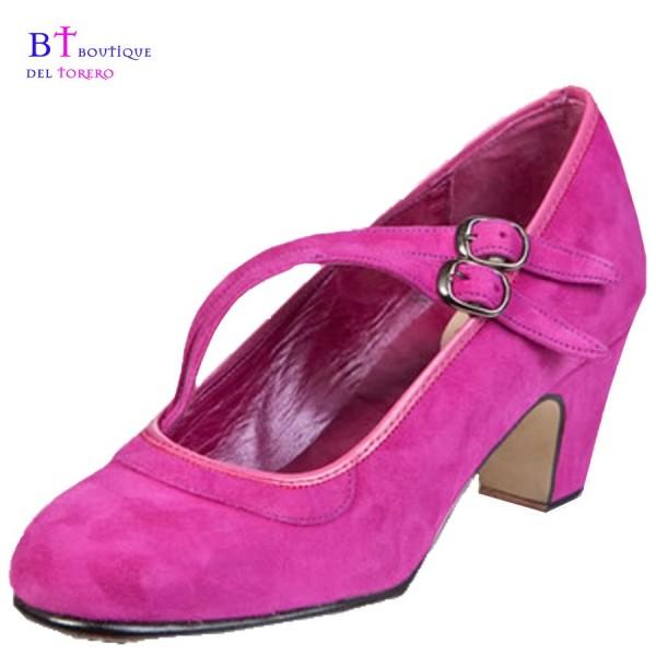 Zapato flamenco ante fucsia con dos correas en diagonal